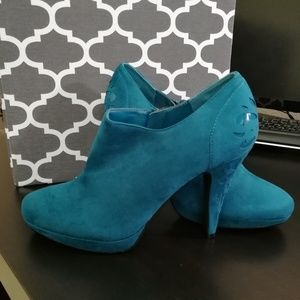 Shoes - Adorable Teal Booties NWOT